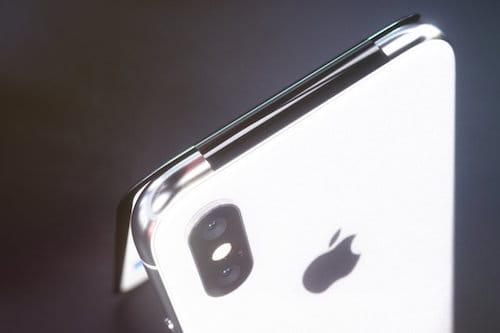 الكاميرا الخلفية للايفون X القابل للطي