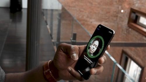 تحريك الايفون عند إعداد Face ID