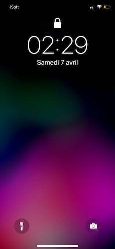 شاشة القفل على الايفون عشرة