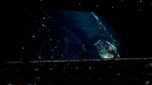 لقطة ليلية متحركة للكرة الأرضية من الفضاء