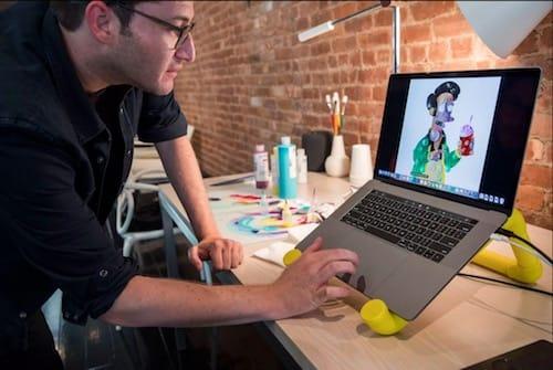 إستخدام حاسب MacBook Pro