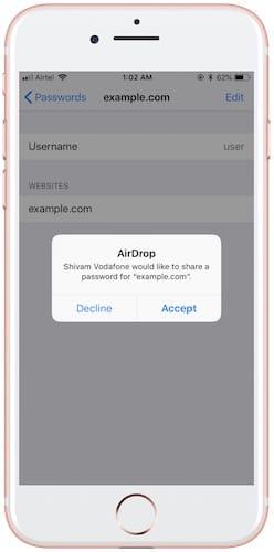 نافذة طلب استقبال كلمة المرور عبر AirDrop
